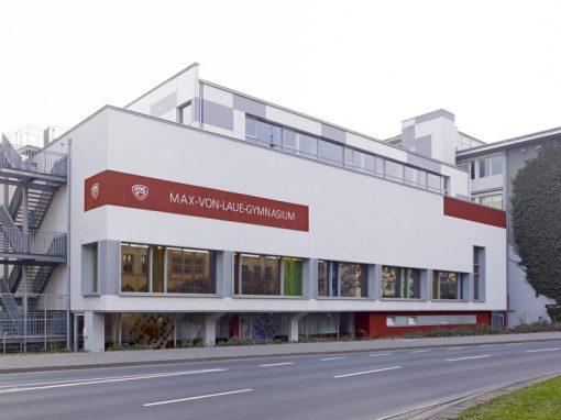 """<span class=""""under"""">Max-von-Laue Gymnasium, Koblenz</span><br> Sporthalle und Mensa"""
