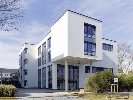 "<span class=""under"">Universität Koblenz-Landau</span><br> Hörsaalgebäude"