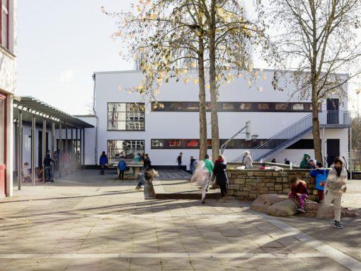 """<span class=""""under"""">Schillerschule Lahnstein</span><br> Sporthalle"""