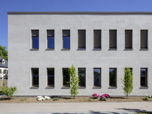 "<span class=""under"">Brüderkrankenhaus Trier</span><br> Neubau Bildungshaus"