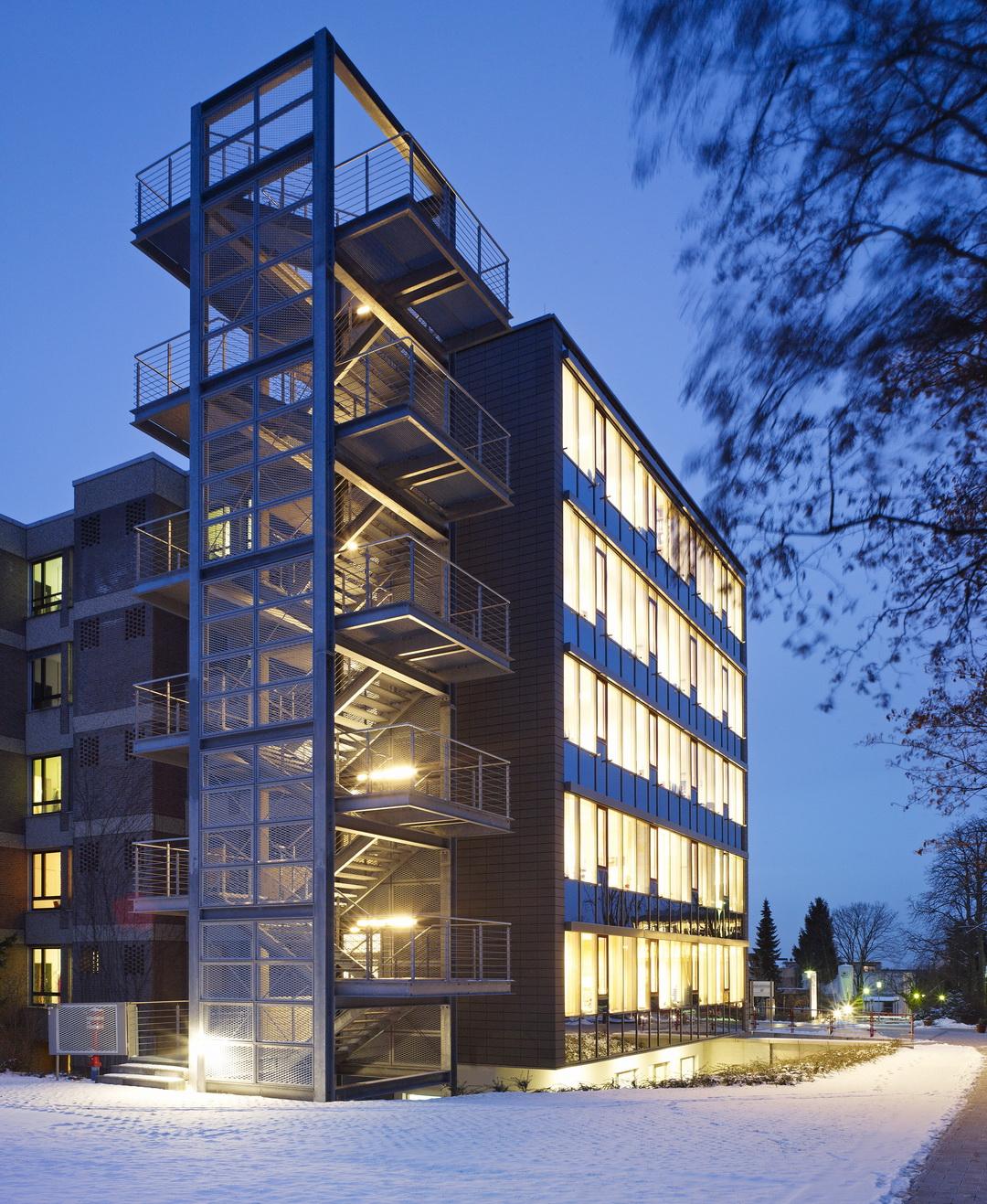 Br derkrankenhaus paderborn umbau und erweiterung bettenhaus architekten bda naujack rind - Architekten paderborn ...