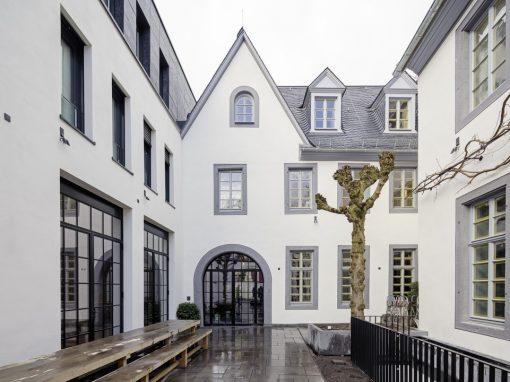 """<span class=""""under"""">Hotel PURS 'Alte Kanzlei' Andernach</span><br> Sanierung"""